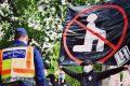 """Gli ungheresi marciano contro Black Lives Matter: """"Noi mai in ginocchio"""""""